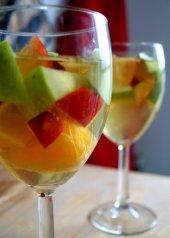 white-wine-sangria